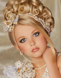 0400e2b9d6c9f98ee25afd78b5029fbc--pageant-hairstyles-hairstyles-with-bangs